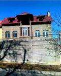 ПРОДАМ КОРОБКУ в Центре Луначарского 4 сотки,дом 2 уровня и мансарда,подвал 70%готовности.Есть все коммуникации.ЦЕНА-180тыс. уе